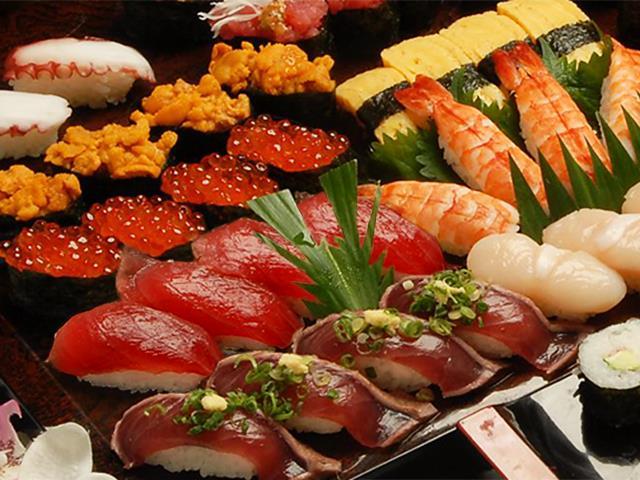 寿司食べ放題画像