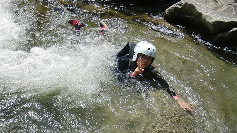 水上 シャワークライミング